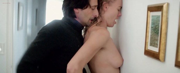 Yvonne Strahovski nude butt and boobs in hot sex scene - Manhattan Night (2016) HD 720-1080p Web-Dl (5)