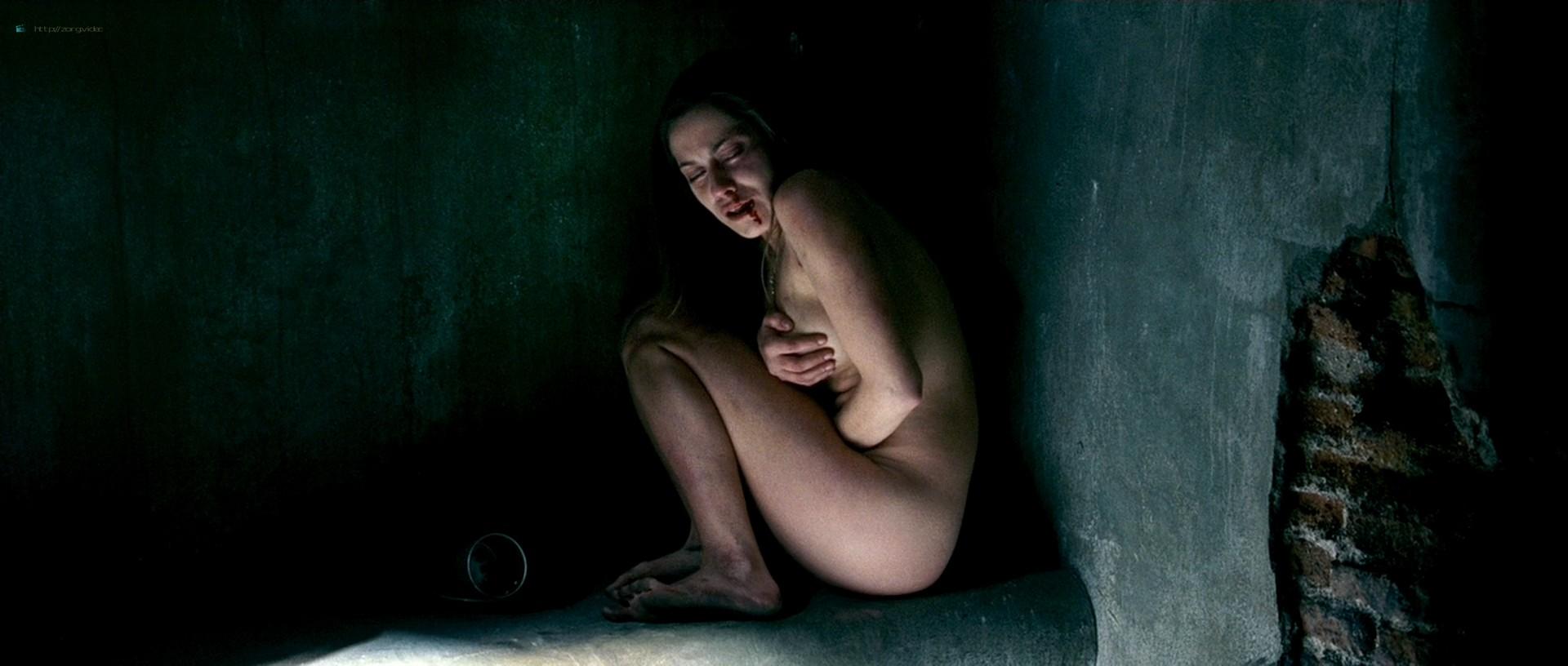 Maria Leon nude in - La voz dormida (2011) HD 1080p BluRay (5)