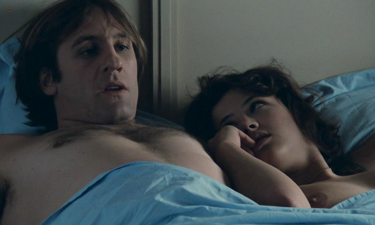 Sophie Marceau nude boobs and Sandrine Bonnaire nude bush full frontal - Police (FR-1985) HD 720p (9)