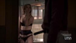 Julia Stiles hot and sexy some sex in lingerie - Blue (2014) s1e1-2 HDTV 720p (8)