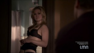 Julia Stiles hot and sexy some sex in lingerie - Blue (2014) s1e1-2 HDTV 720p