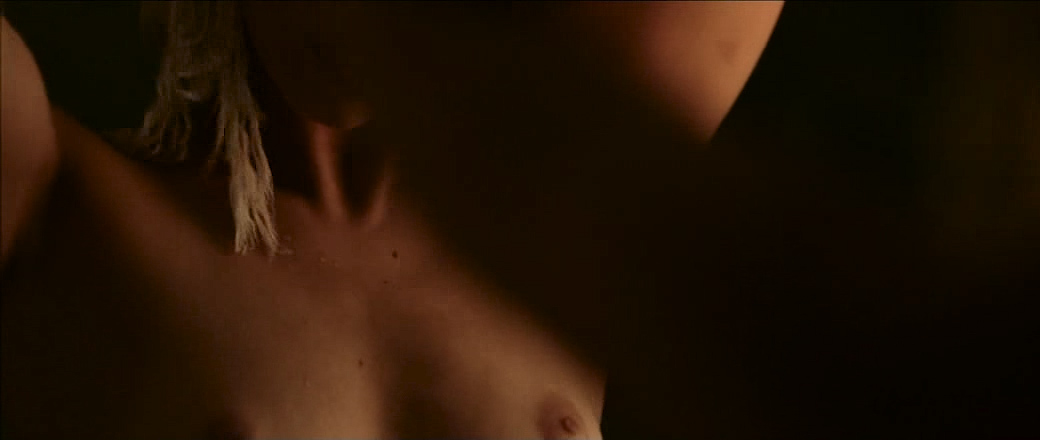 Lou De Laâge nude brief topless and very hot - L'Attesa (FR-2015) (8)