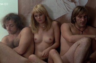 Miou-Miou nude bush, boobs and full frontal with Brigitte Fossey and Isabelle Huppert nude too – Les valseuses (FR-1974) HDTV 720p