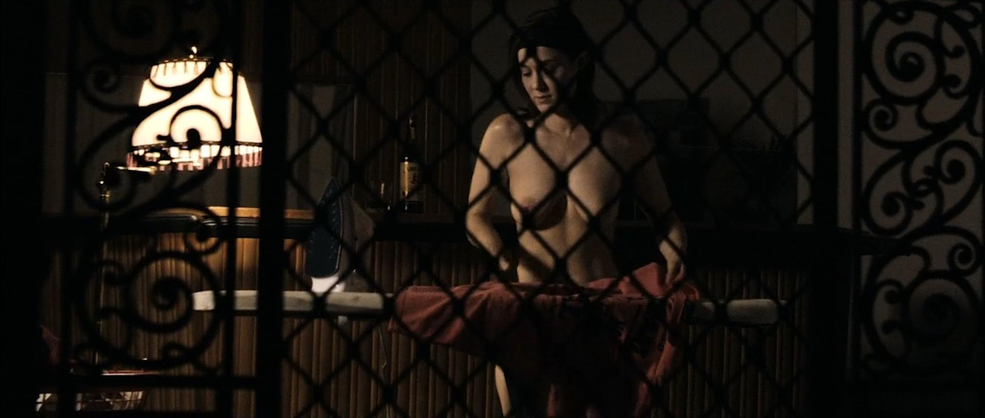 Tahyna Tozzi hot and wet and Kristi-Lee Kalendra nude topless - Beautiful (AU-2009) 1080p BluRay (5)