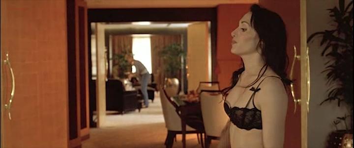 Candice Hugo nude topless and Hélène de Fougerolles sexy - La Donna Di Nessuno (IT-2009) (3)