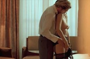 Candice Hugo nude topless and Hélène de Fougerolles sexy –  La Donna Di Nessuno (IT-2009)