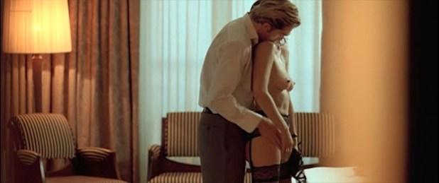 Candice Hugo nude topless and Hélène de Fougerolles sexy - La Donna Di Nessuno (IT-2009) (1)