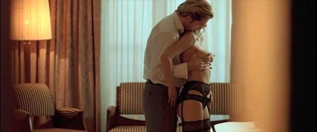 Candice Hugo nude topless and Hélène de Fougerolles sexy - La Donna Di Nessuno (IT-2009) (11)