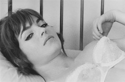 Marie-France Pisier nude but covered Prima Symphony nude - Trans-Europ-Express (1966) (9)
