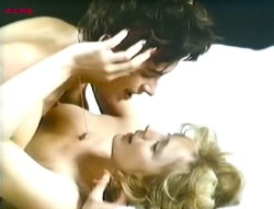 Mimsy Farmer nude topless some sex - L'amant de poche (FR-1978) (4)