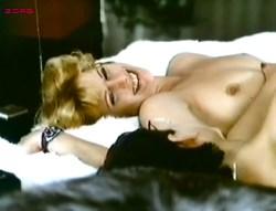 Mimsy Farmer nude topless some sex - L'amant de poche (FR-1978) (1)