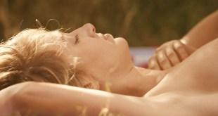 Pauline Lefevre nude topless and hot sex - Voir la mer (FR-2011) HD 1080p BluRay (6)