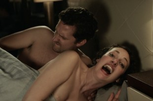 Phoebe Waller Bridge nude nip-slip and Sarah Daykin briefly nipple too – Fleabag (2016) s1e1-4 HD 1080p