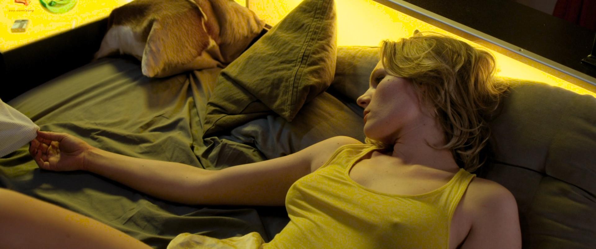 Rosalie Thomass Hot And Sexy Taxi De 2015 Hd 1080p Bluray