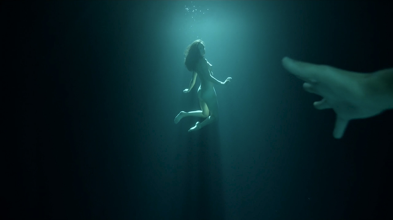 Jodi Balfour nude topless, butt and sex - Quarry (2016) s1e1 HD 720p (11)