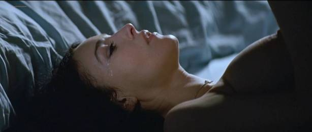 Monica Bellucci nude topless - Combien tu m'aimes? (FR-2005) HDTV 720p (3)