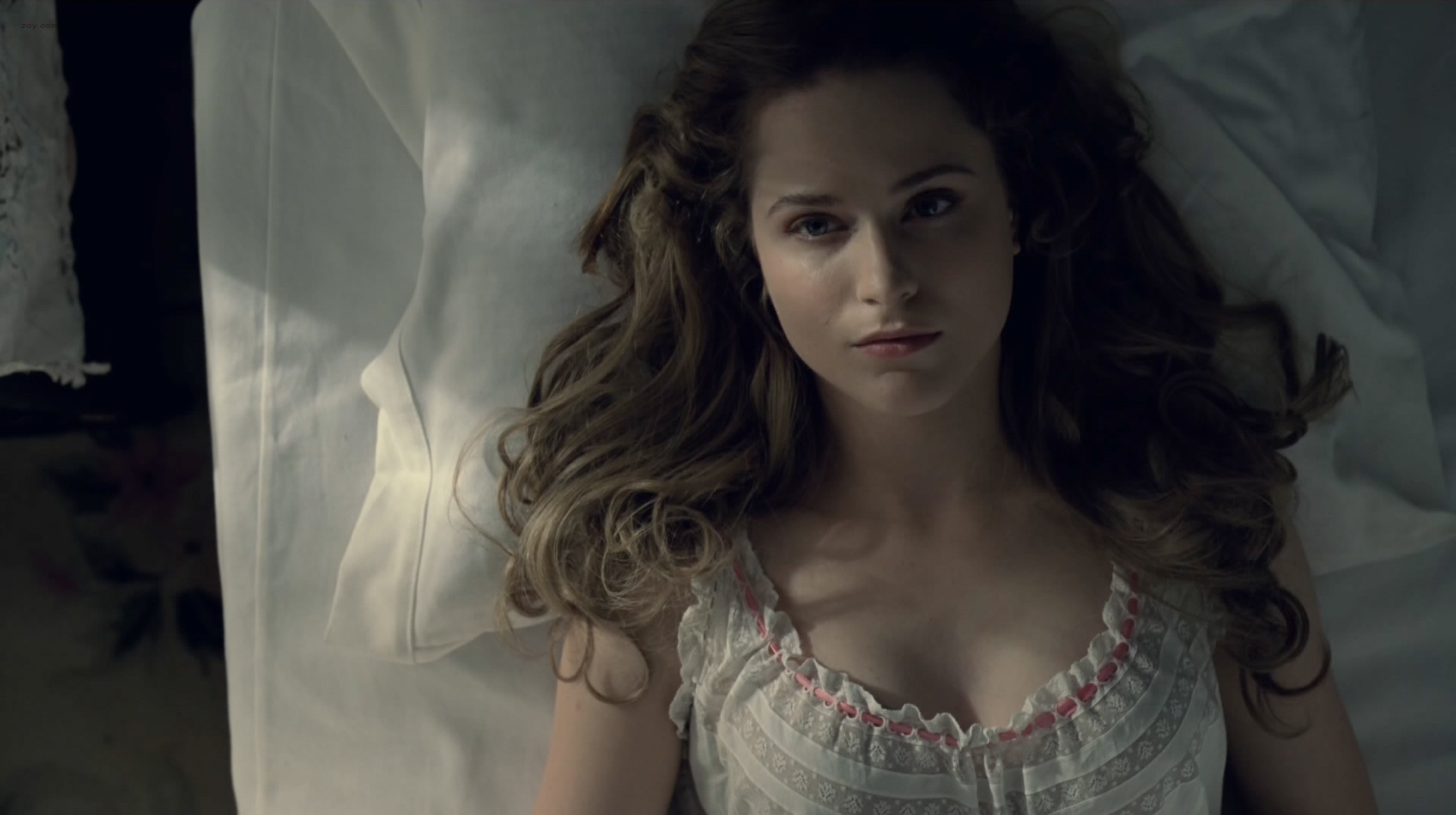 Evan Rachel Wood nude topless and butt Angela Sarafyan nude topless - Westworld (2016) s1e1 HD 1080p (11)