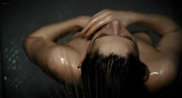 Haley Bennett nude butt and boobs in the shower - The Girl on the Train (2016) HD 1080p (1)