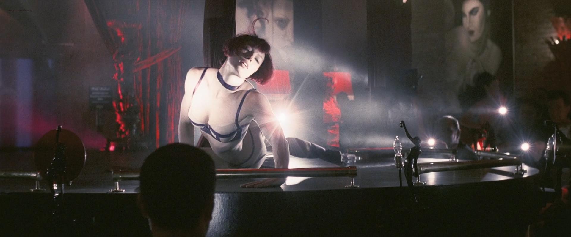 Jessica Biel nude topless ultra hot - Powder Blue (2009) HD 1080p BluRay (12)