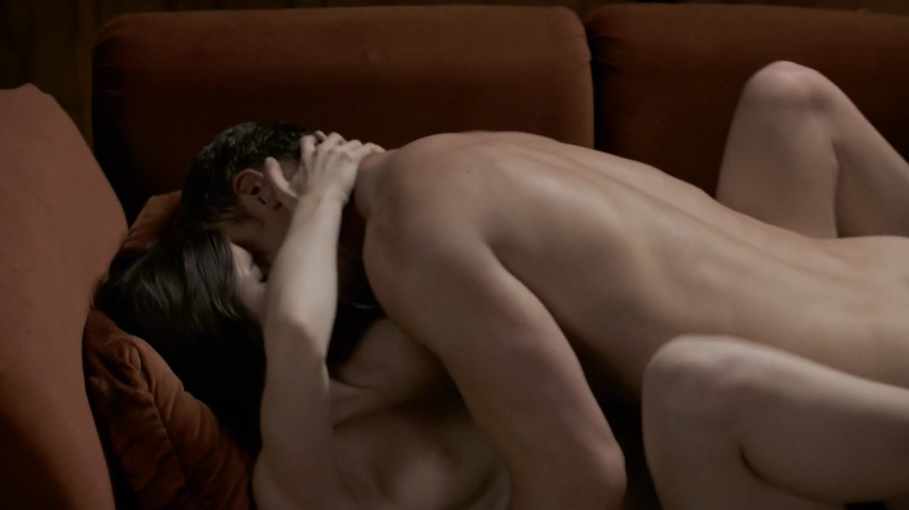 Kale Ronayne nude topless and butt and Jodi Balfour sex doggy style - Quarry (2016) s01e06 HD 720p (6)