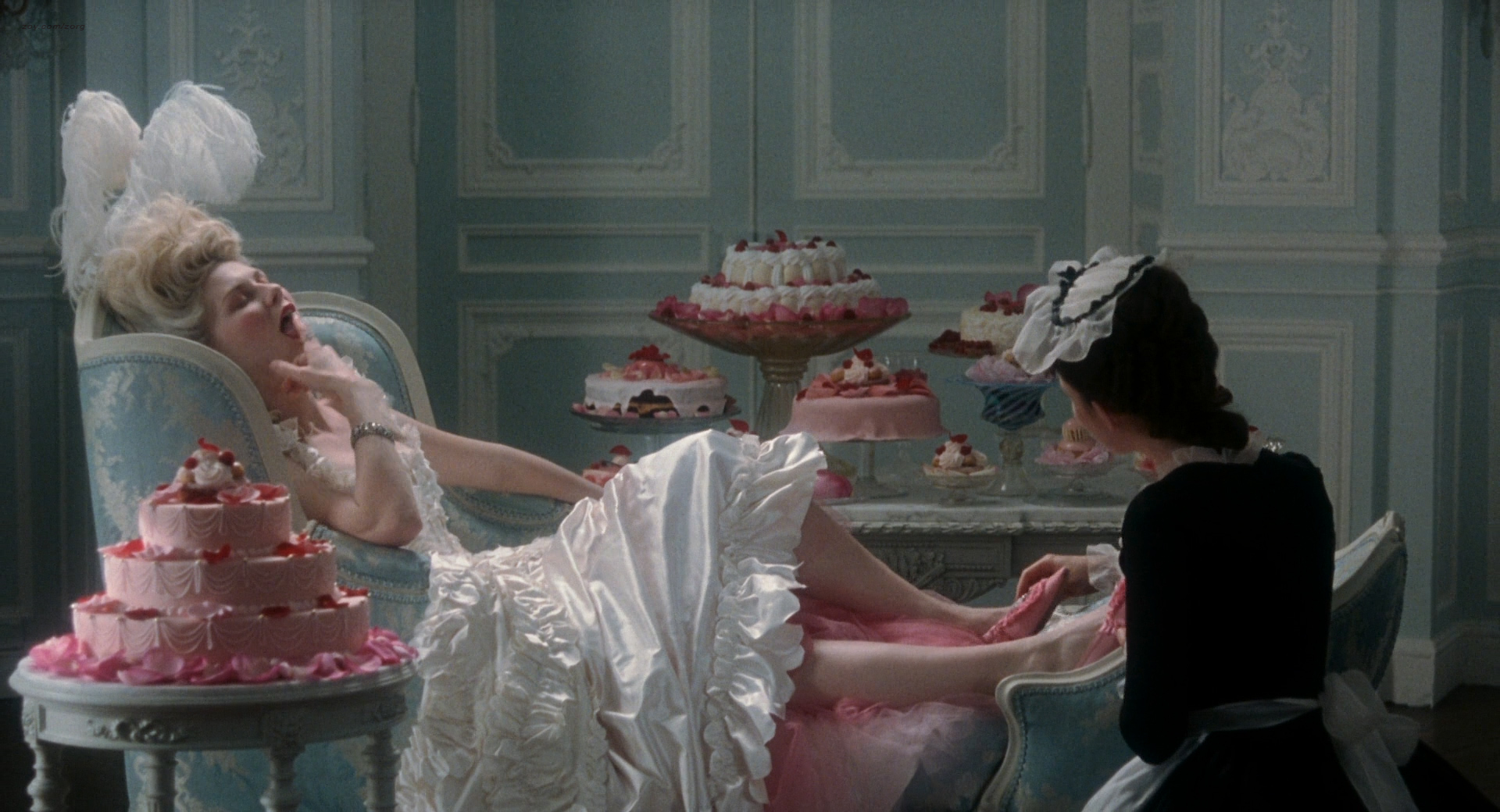 Kirsten Dunst nude butt and hot - Marie Antoinette (2006) HD 1080p BluRay (8)
