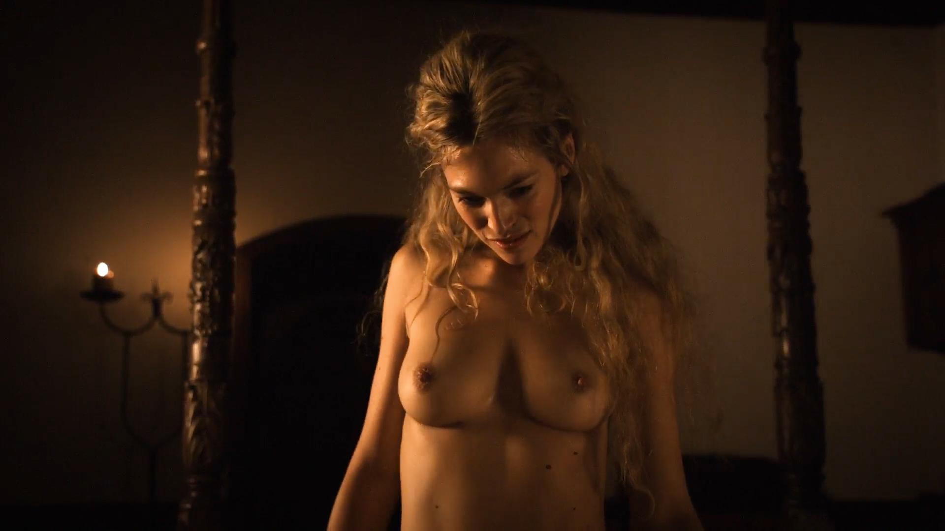 Florence Thomassin  nackt