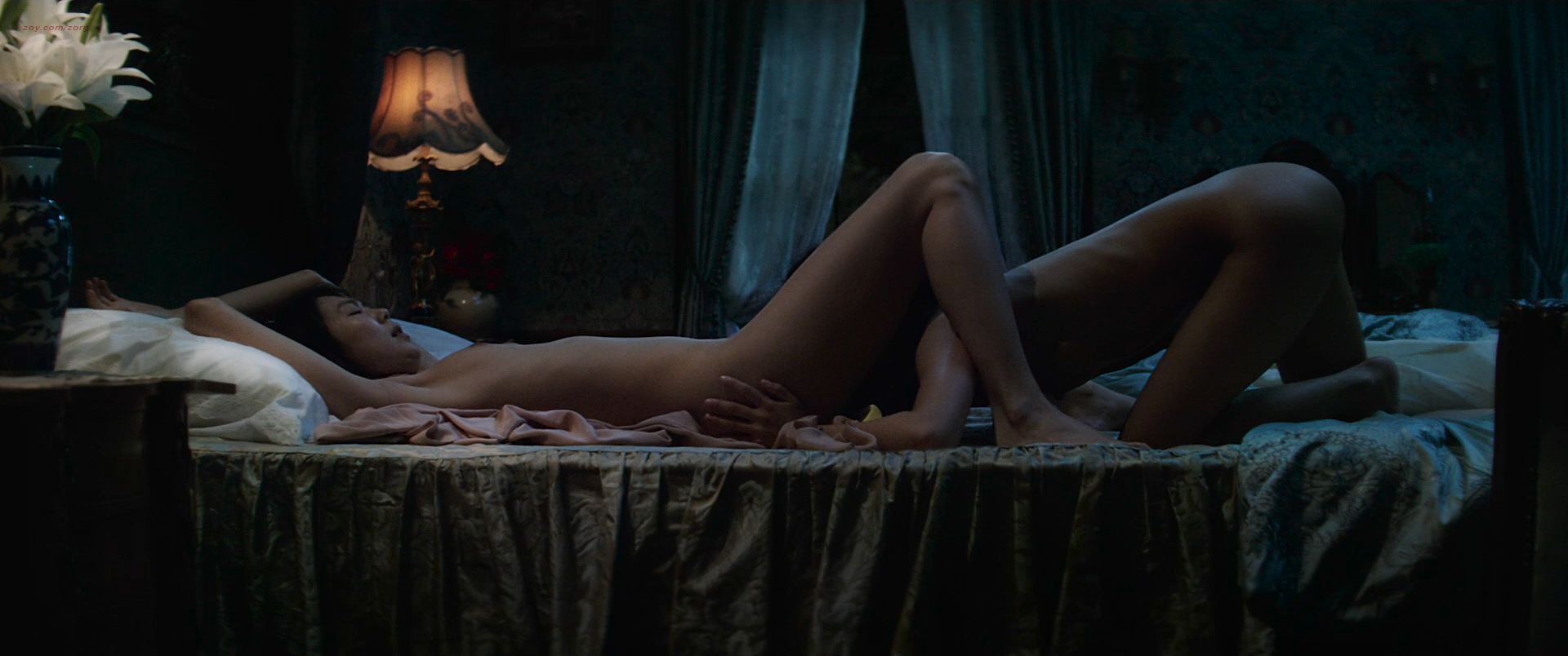 Kim Min-Hee nude topless oral and Kim Tae-Ri nude lesbian sex - The Handmaiden (KR-2016) HD 1080p BluRay (6)