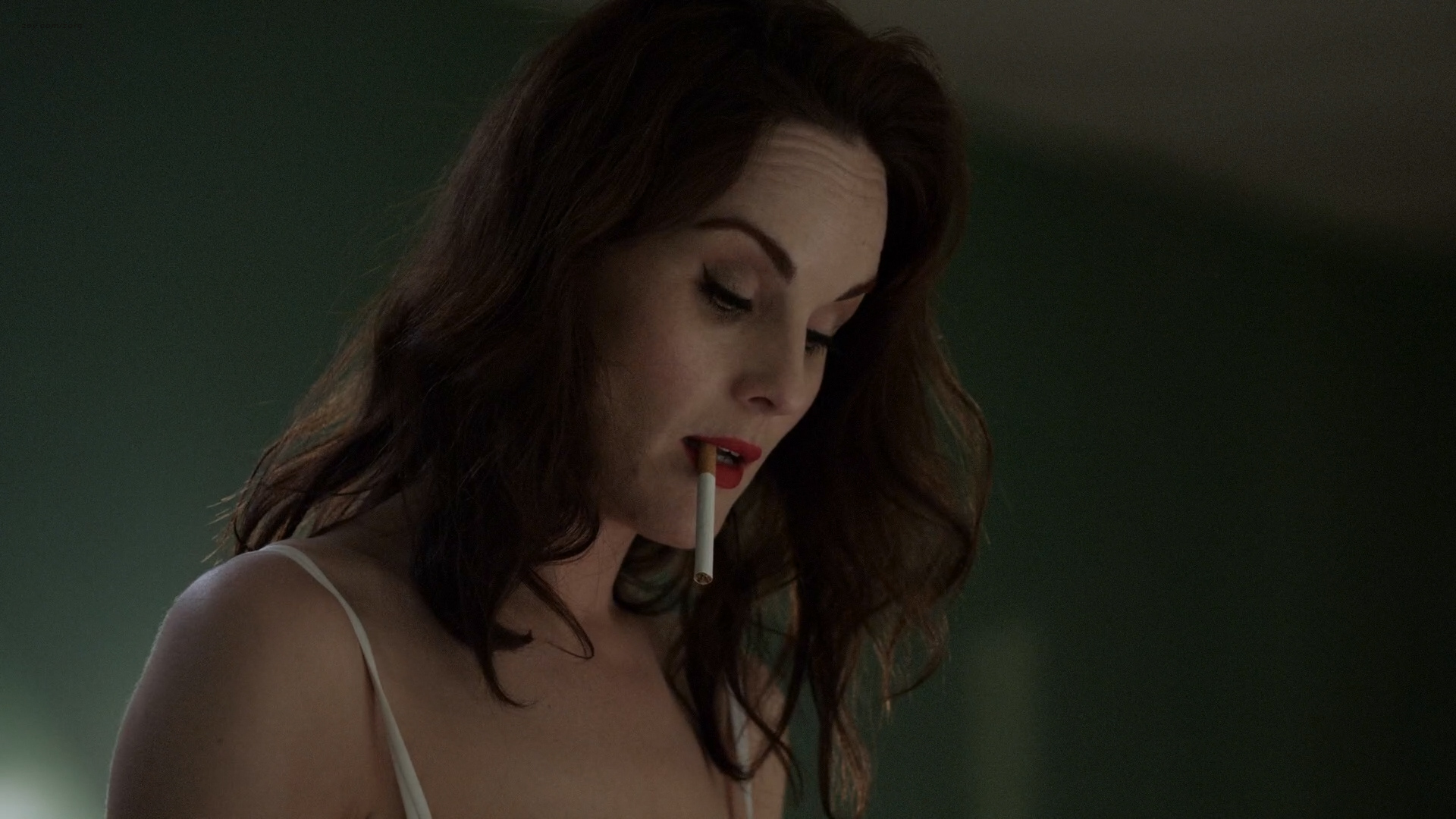 Michelle Dockery hot and sexy in lingerie – Good Behavior (2016) s01e01 HD 1080p (4)