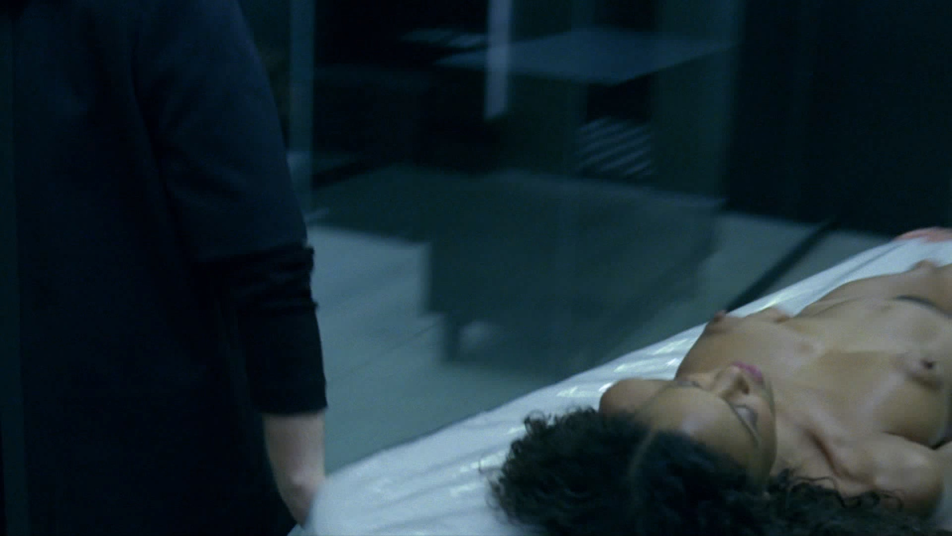 Thandie Newton nude bush and boobs - Westworld (2016) s1e8 HD 1080p (5)