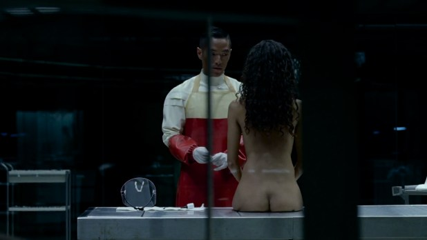 Thandie Newton nude topless and butt - Westworld (2016) s1e6 HD 1080p (6)