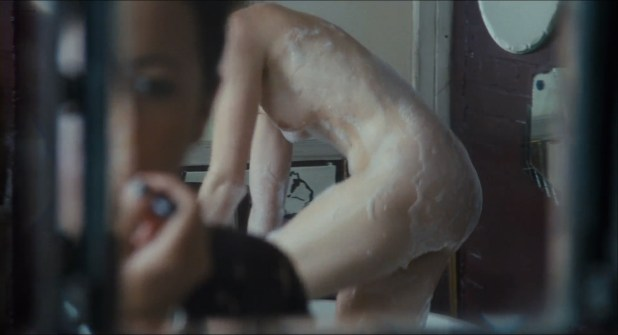 Heather Graham nude lesbian sex Jaime Winstone, Meredith Ostrom nude – Boogie Woogie (2009) HD 1080p (2)