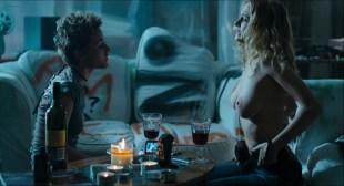 Heather Graham nude lesbian sex Jaime Winstone, Meredith Ostrom nude – Boogie Woogie (2009) HD 1080p