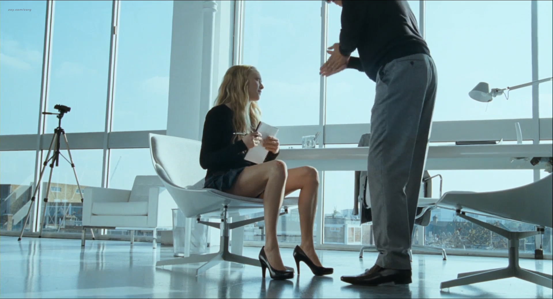 Heather Graham nude lesbian sex Jaime Winstone, Meredith Ostrom nude – Boogie Woogie (2009) HD 1080p (23)