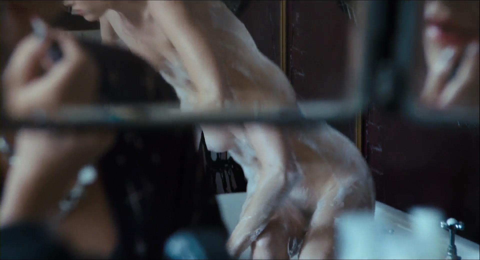 Heather Graham nude lesbian sex Jaime Winstone, Meredith Ostrom nude – Boogie Woogie (2009) HD 1080p (18)