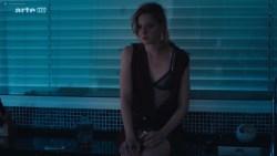 Kate Moran nude topless and sex – Cannabis (2016) s1e4-5 HD 720p (8)