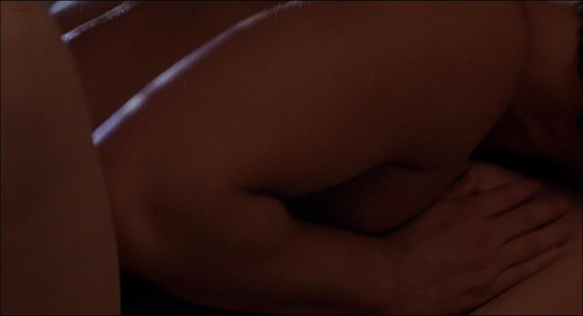 Kim Cattrall nude topless Meg Tilly hot sex Dana Delany hot bikini - Masquerade (1988) HD 1080p BluRay (5)
