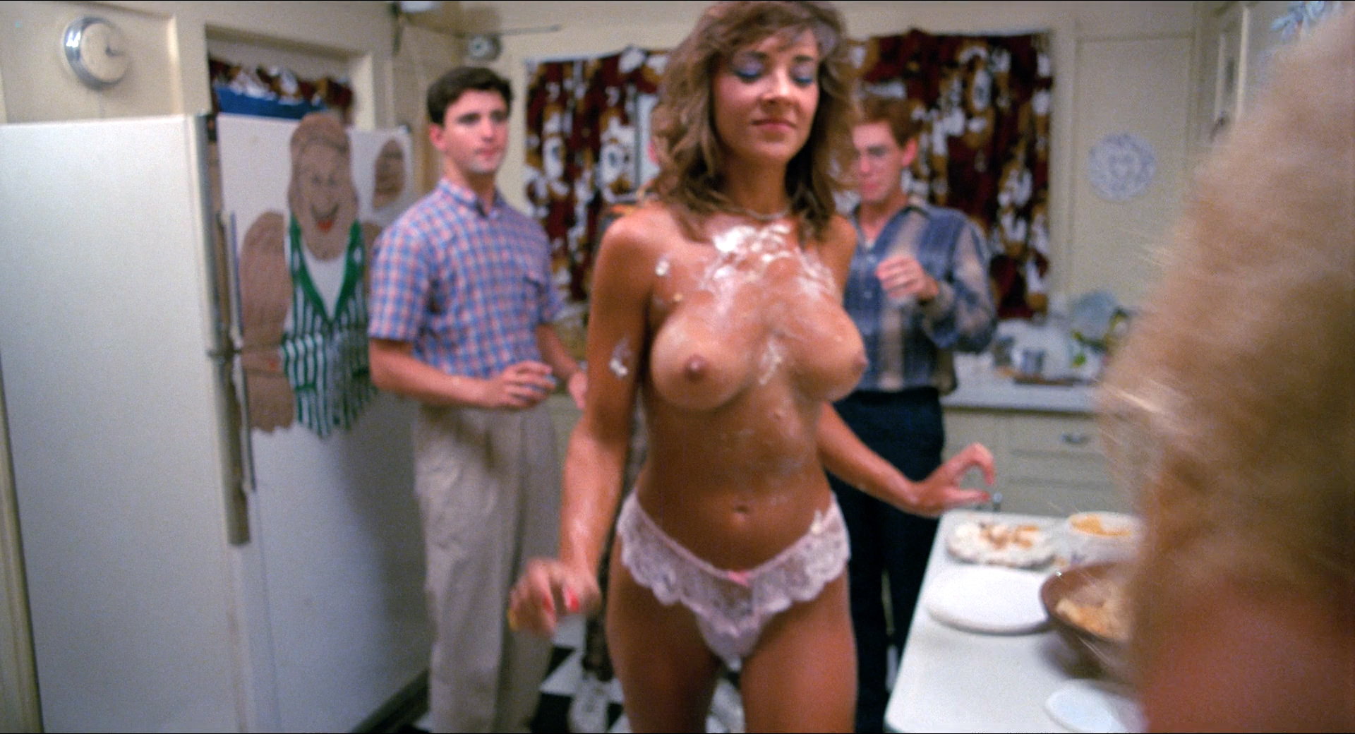 Michelle Bauer nude bush, Linnea Quigley and Brinke Stevens nude and wet - Nightmare Sisters (1988) HD1080p (8)