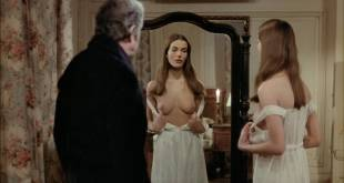 Carole Bouquet nude Angela Molina nude bush - That Obscure Object of Desire (1977) HD 1080p BluRay (1)