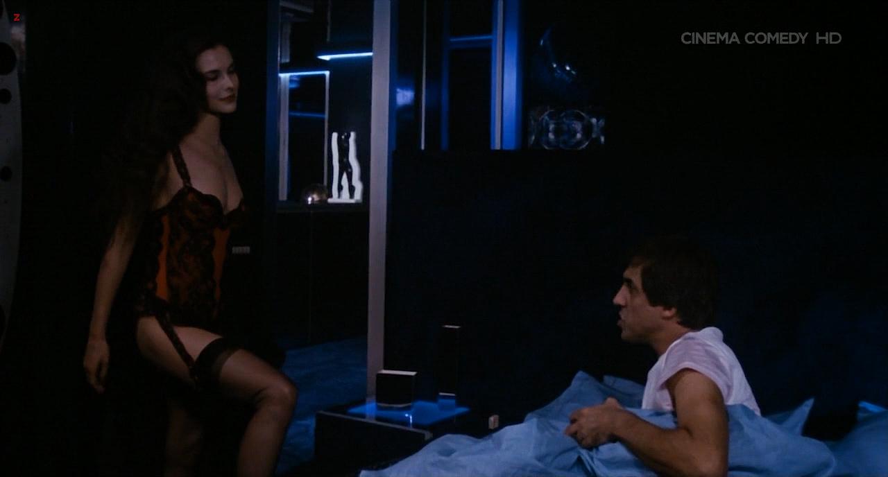 Carole Bouquet nude topless - Bingo Bongo (IT-1982) HDTV720p (1)