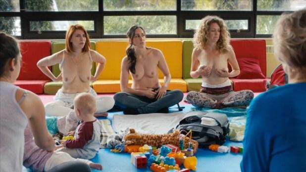 Dani Kind nude Catherine Reitman and Juno Rinaldi nude topless– Workin Moms (2017) s01e01 HD 720p (4)