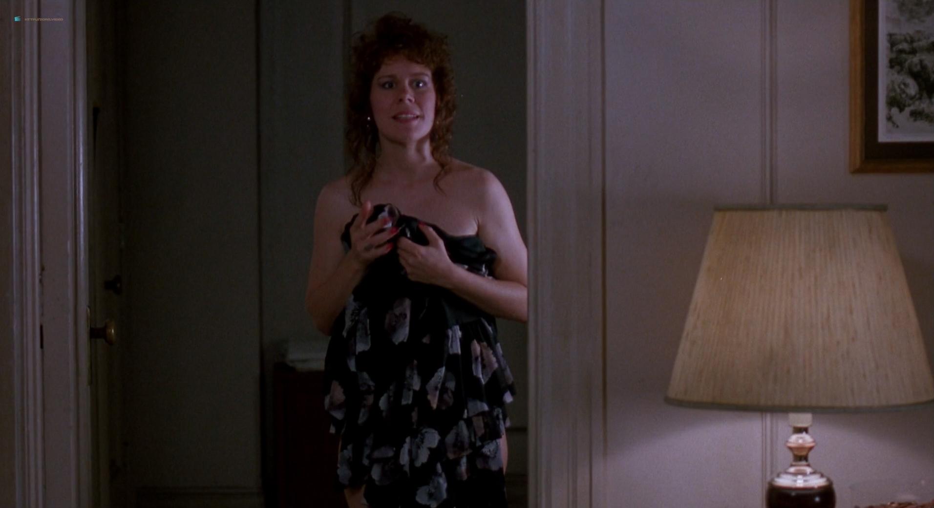 Ellen Barkin nude boobs and butt - Sea of Love (1989) HD 1080p BluRay (6)
