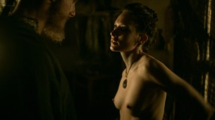 Ida Nielsen nude topless Josefin Asplund nude topless and sex – Vikings (2017) s04e18 HD 1080p (4)