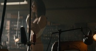 Jennifer Connelly nude brief bush and side boob - American Pastoral (2016) HD 1080p WebDL (4)