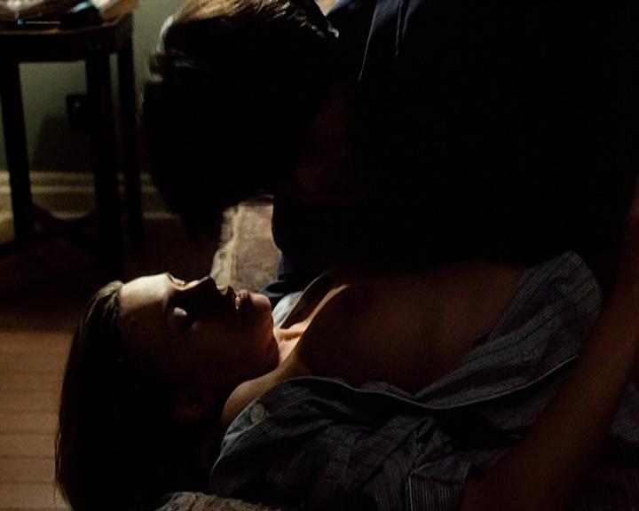 Natasha Henstridge nude topless and sex - Caracara (1999) (2)