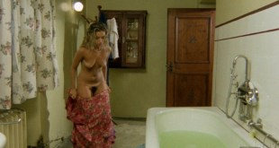 Cinzia Monreale nude full frontal and Lucia D'Elia nude bush - Beyond the Darkness (IT-1979) HD 720p BluRay (13)