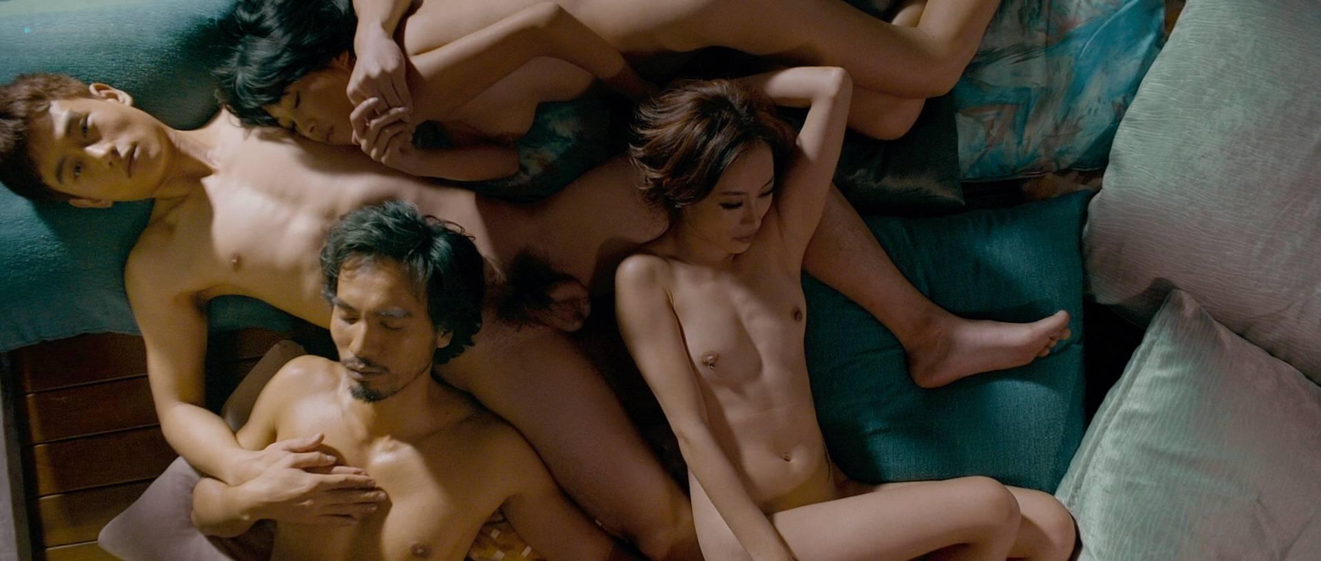 Scarlett alice johnson topless pics 934