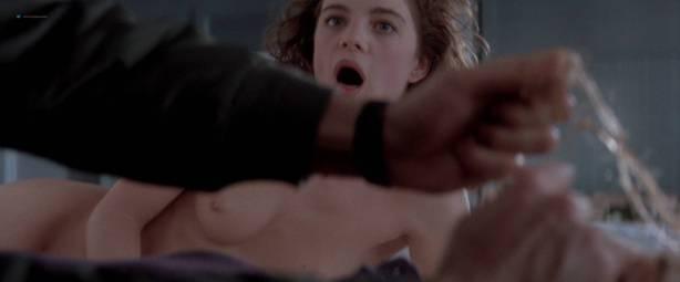 Gabrielle Anwar nude topless Meg Tilly hot - Body Snatchers (1993) HD 1080p BluRay (11)