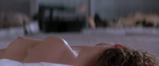 Gabrielle Anwar nude topless Meg Tilly hot - Body Snatchers (1993) HD 1080p BluRay (10)