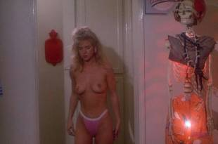 Hope Marie Carlton nude topless and sex – Slaughterhouse Rock (1988) HD 1080p BluRay