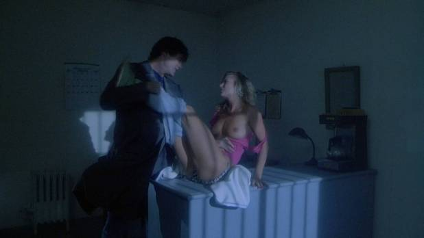 Hope Marie Carlton nude topless and sex - Slaughterhouse Rock (1988) HD 1080p BluRay (1)
